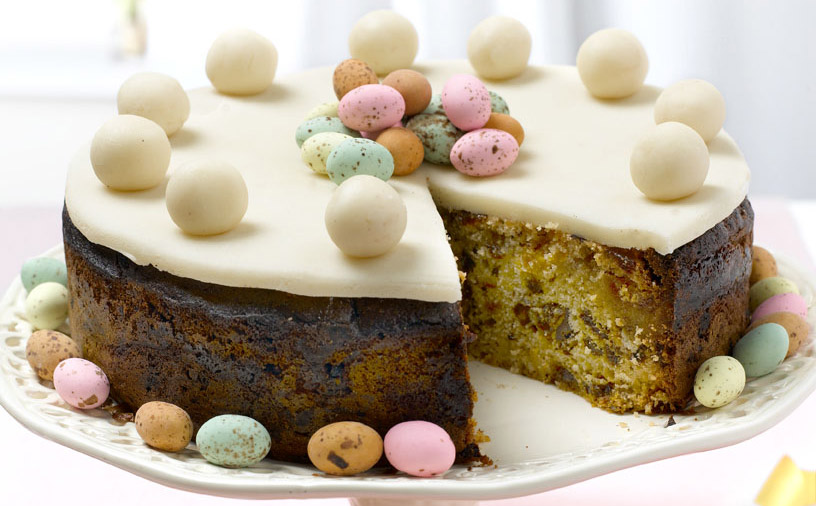 Simnel-Cake-by-Linda-Collister