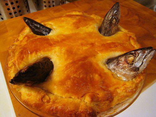 baked-stargazy-pie-body