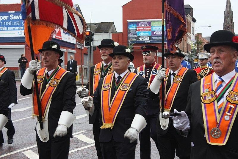 800px-12_July_in_Belfast,_2011_(012)